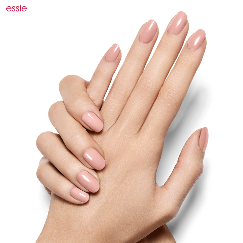 NAILS ESSIE